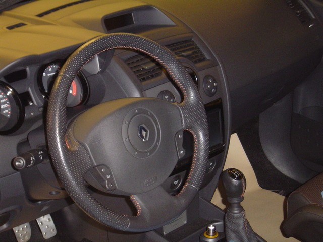 The OEM Mgane 2 RS Steering Wheel